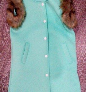 Жилетка, пиджак, платье