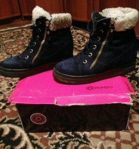Ботинки женские зимние, размер 37.