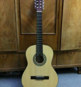 Классическая гитара Framus