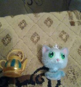 Кошечка и чайник