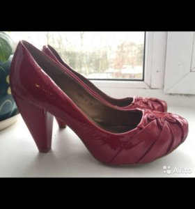 Новые кожаные туфли Basic, 39 размер