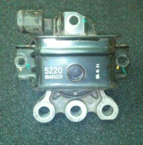 Подушка двигателя Chevrolet Aveo T300 1.6