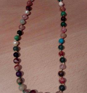 Бусы из натуральных разноцветных камней