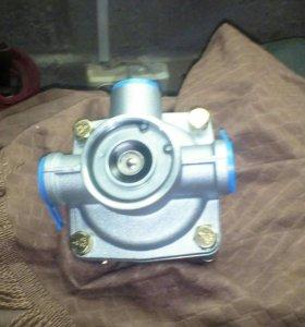 Клапан ускорительный
