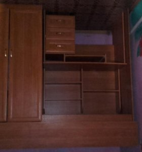 Школьный уголок с кроватью