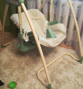 Люлька-качеля, стул для кормления.