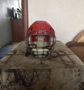 Каска хоккейиста