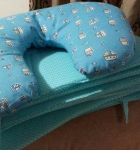 Бортики для кроватки + подушка для младенца