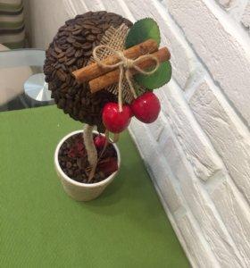 Топиарий из кофейных зёрен и вишни