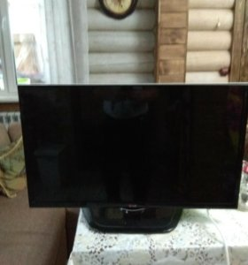 Продам бу телевизор LG.