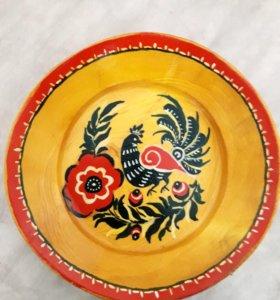 Декоративная деревянная тарелка