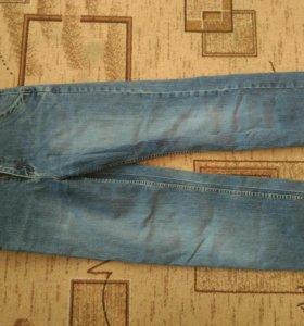 Одежда мужская.джинсы в хорошем состоянии.СРОЧНО