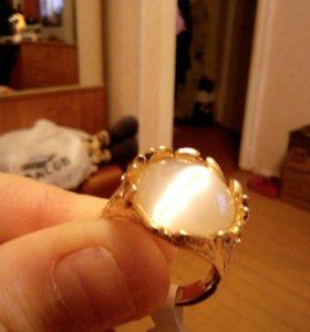 Кольцо. Золотое напыление