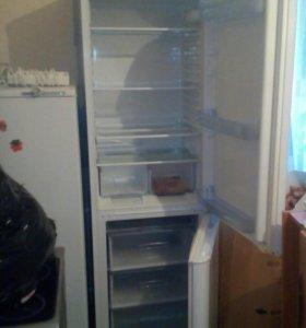 Холодильник Indesit двухкомпрессорный