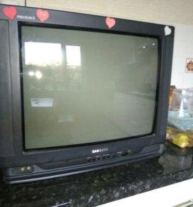Телевизор старый