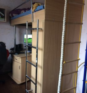 Комплект компьютерный стол, шкаф , кровать