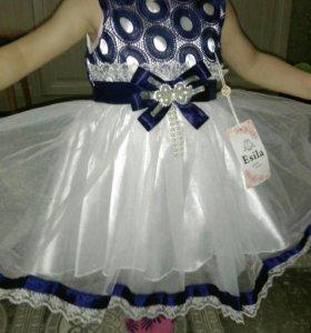 Спешим преобрести платья к 8 марта