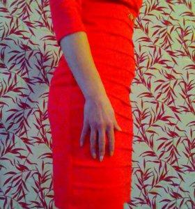 Коралловое платье 44 размер.