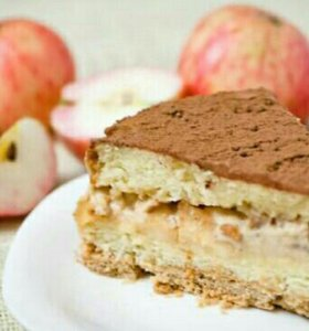 Торт яблочный с корицей