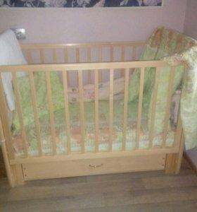 Пеленальный комод + Детская кроватка с матрацем