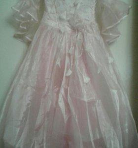Новон нарядное платье