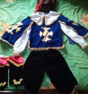 Новогодний костюм мушкетера.