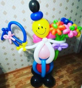 Игрушка из шаров с букетом