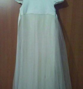 Нарядное красивое платье.
