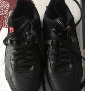 Продаю мужские кросовки