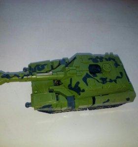 Трансформер танк