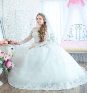 Новое свадебное платье с кружевом и рукавом