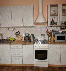 Кухонный гарнитур в хорошем состоянии