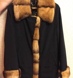 Пальто с воротником из ханурика