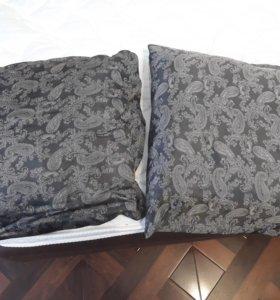 2 подушки на диван