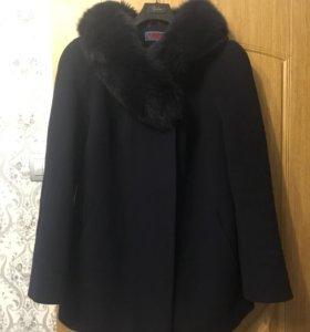 Пальто с натуральным воротником