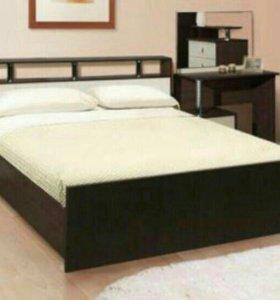 Кровать с матрасом 160/200.