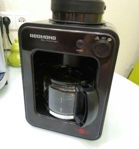 Кофеварка со встроенной кофемолкой REDMOND m1505s
