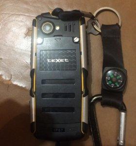 Непробиваемый водоустойчивый телефон TeXet.