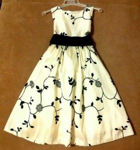 Платье нарядное на 5-6-7 лет