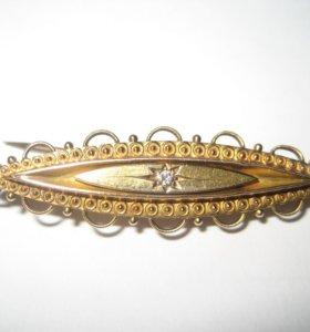 Старинная золотая брошь с бриллиантом