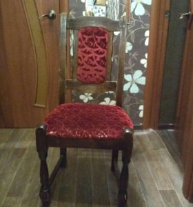 Деревянный стул