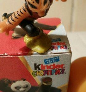 Игрушка из Киндер-сюрприза в комплекте
