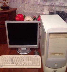 Процессор,монитор,клавиатура,мышь. Все работает