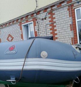 Лодка YUKONA С ПРИЦЕПОМ