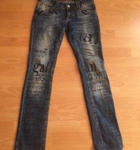 Продам джинсы г. Ялта