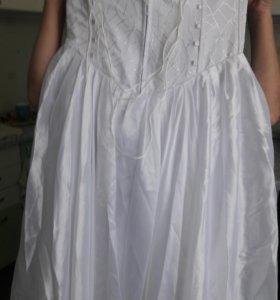 Платье свадебное.44размер+фата и перчатки.