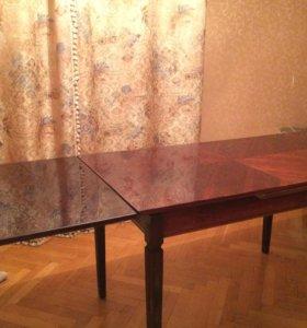 Деревянный антикварный стол