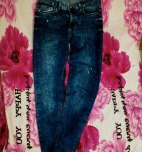 Женские джинсы Bershka