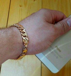 Стильный мужской браслет Bvlgari