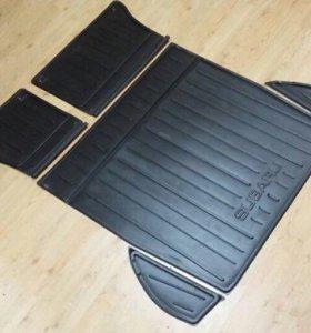 Пластиковый коврик в багажник Subaru Legacy BR9